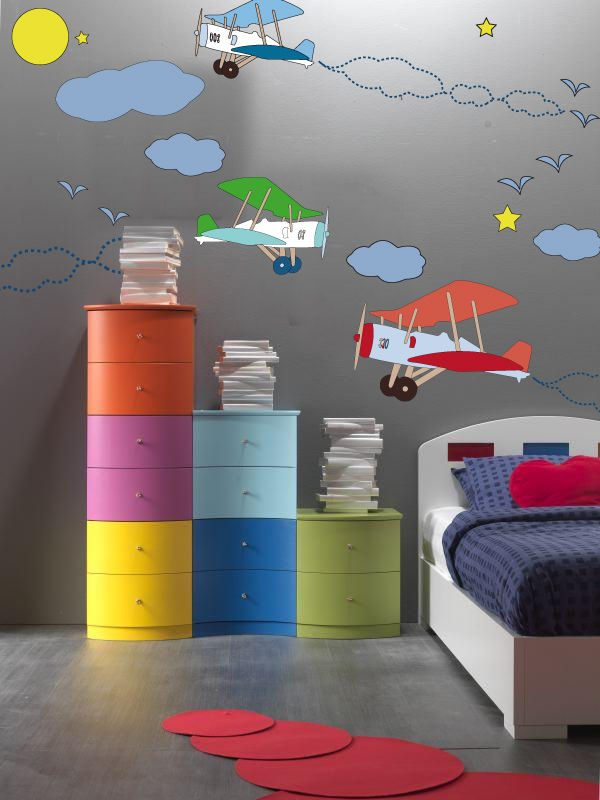 Muebles de colores infantiles im genes y fotos for Decoration chambre garcon 3 ans
